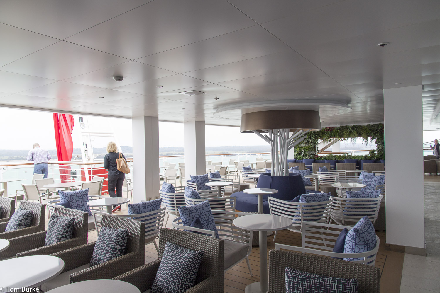 A visit to britannia open decks tom 39 s cruise blog for P o ventura dining rooms