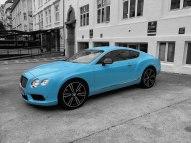 I loved this blue Bentley in Bergen